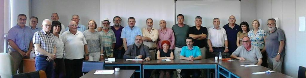 Representantes de las organizaciones que apoyan el manifiesto, entre ellas el presidente de la PIC, Manuel Marco (sentado, primero por la derecha)