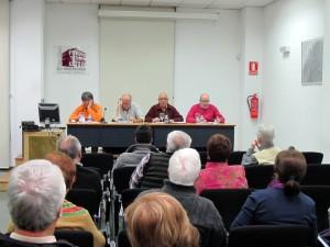 """Imagen del acto """"Crisis global, respuesta local"""" organizado por Attac-Alacant y la PIC en la sede de la UA de Alicante"""