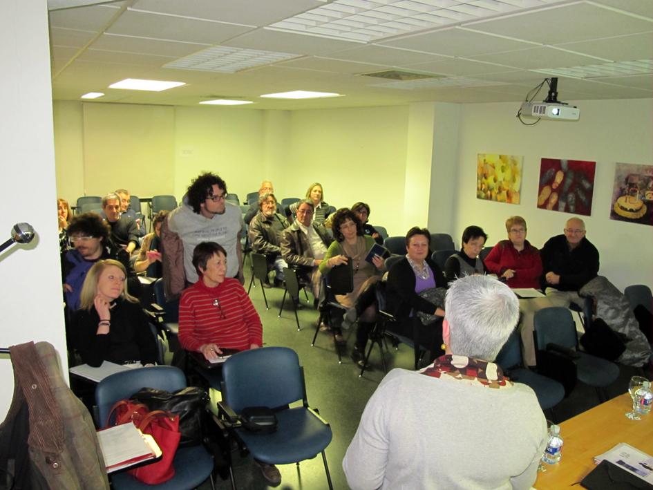 Imágenes de los asistentes a la primera actividad del II Ciclo Ciudad y Educación