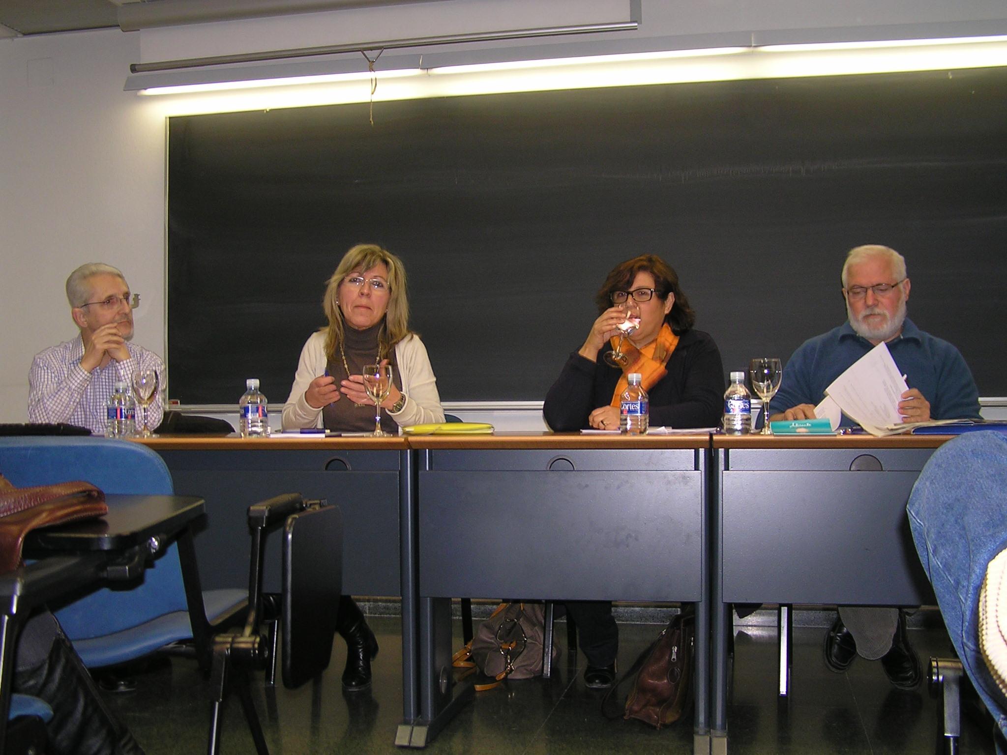 Intervinientes en la mesa redonda sobre la pobreza y la exclusión organizada por la PIC y Attac-Alacant