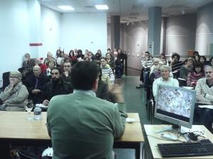 Imagen de los asistentes en la Sede de la UA a la conferencia