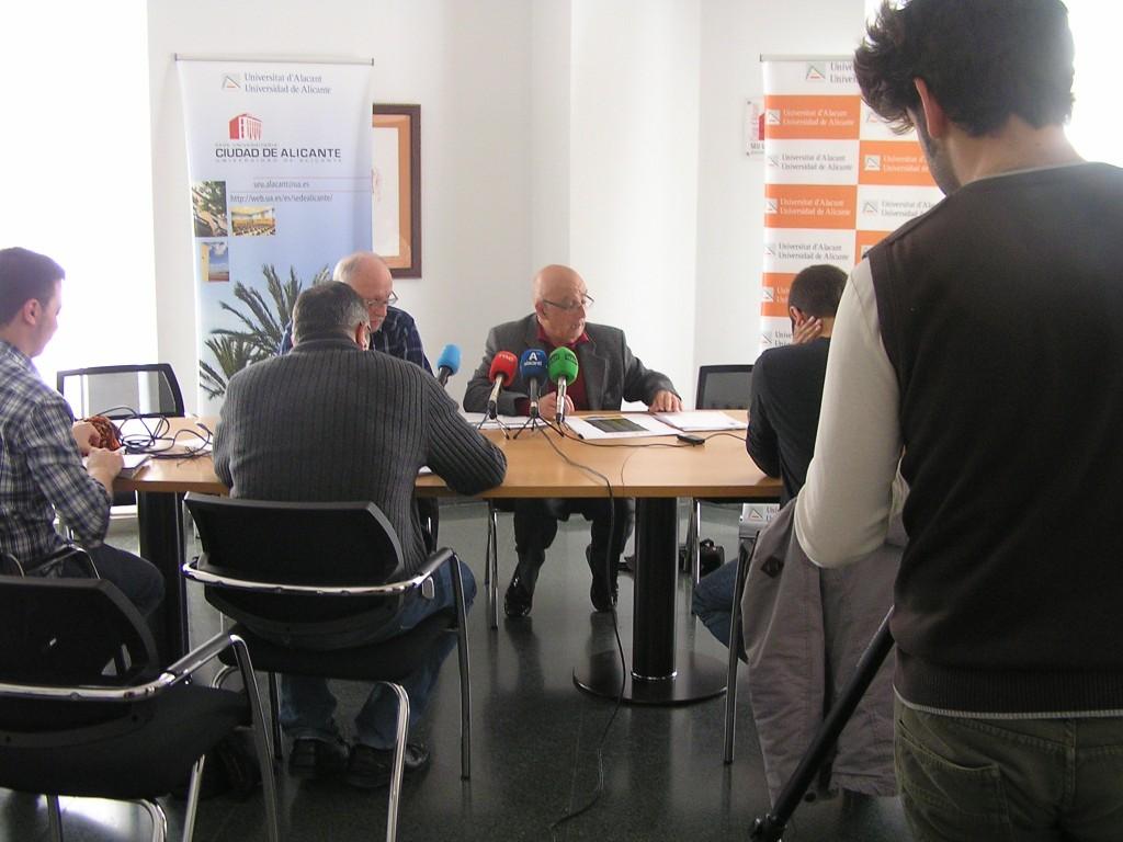 El presidente de la PIC, José María Perea, y el secretario, Isidoro Manteca, durante la presentación de las Jornadas