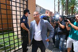 El empresario Enrique Ortiz a su llegada a los juzgados de Orihuela para declarar por una de las varias causas pendientes en imagen de archivo
